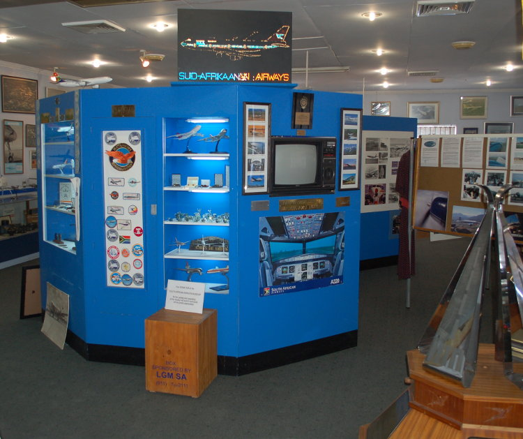 South_African_Airways_Museum_display_hall_15